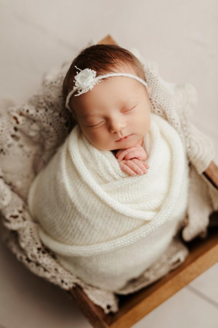 Barrington Lake Zurich Newborn Photographer Baby Olivia